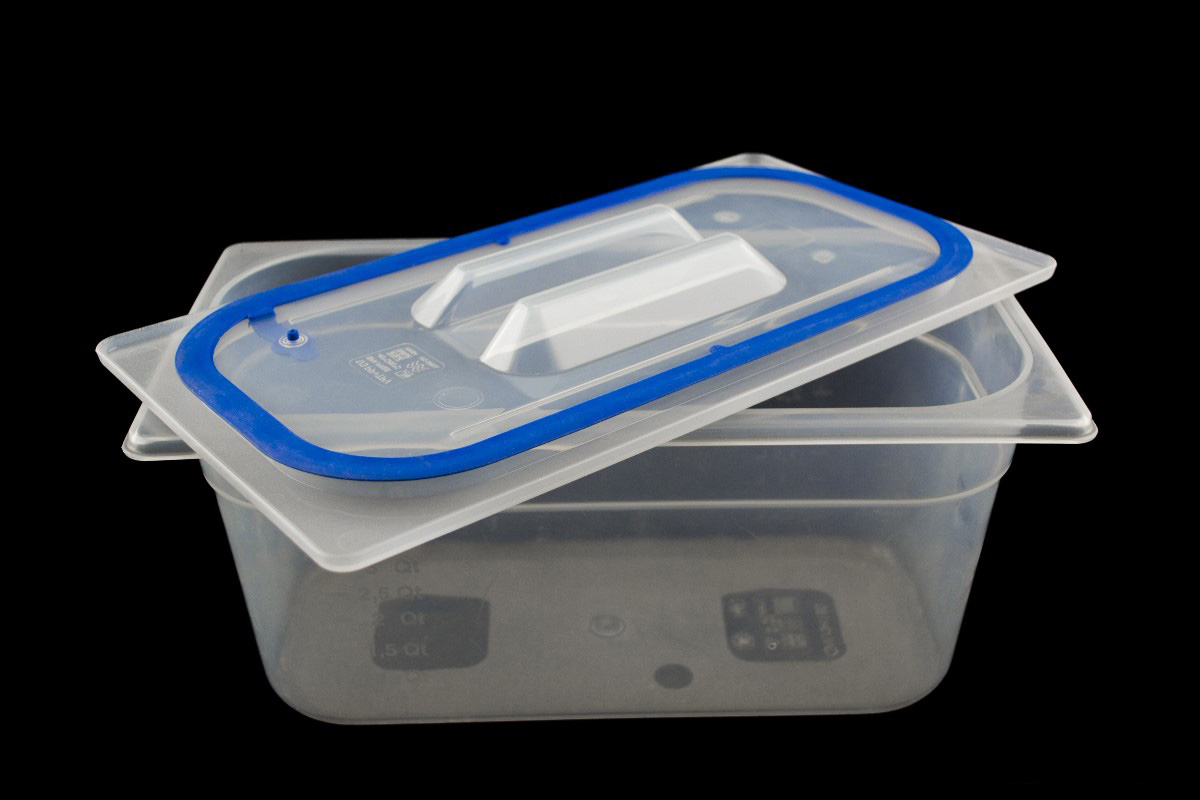 GN12 x 100mm Containers and Self-sealing polypropylene lids